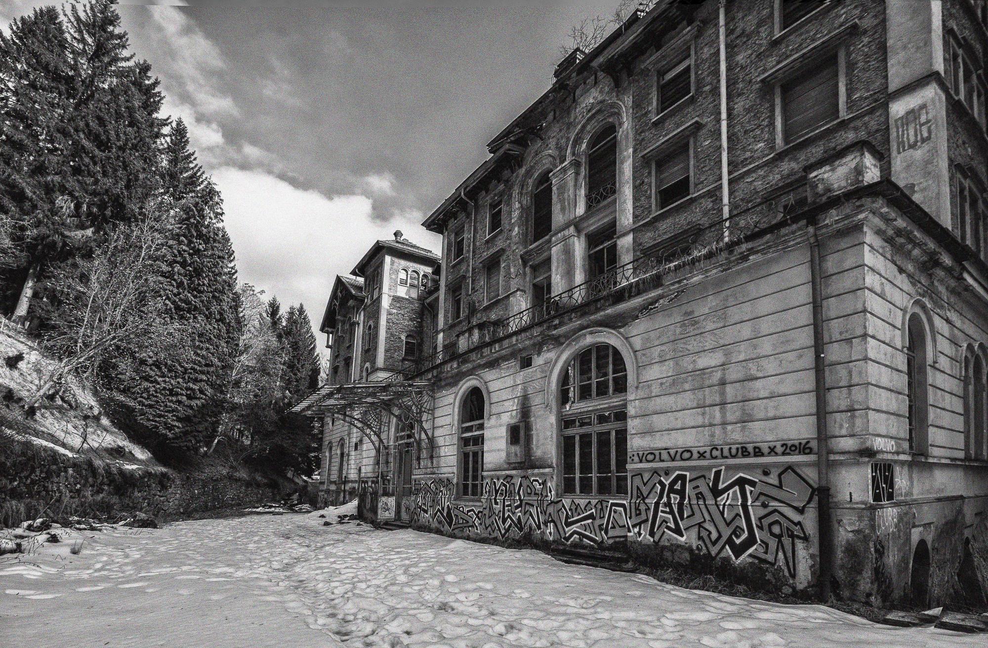 Sanatorium-Tessin-Schweiz-Unheimlicher Besuch